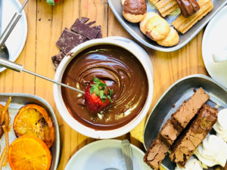 Festejar o dia dos namorados com fondue
